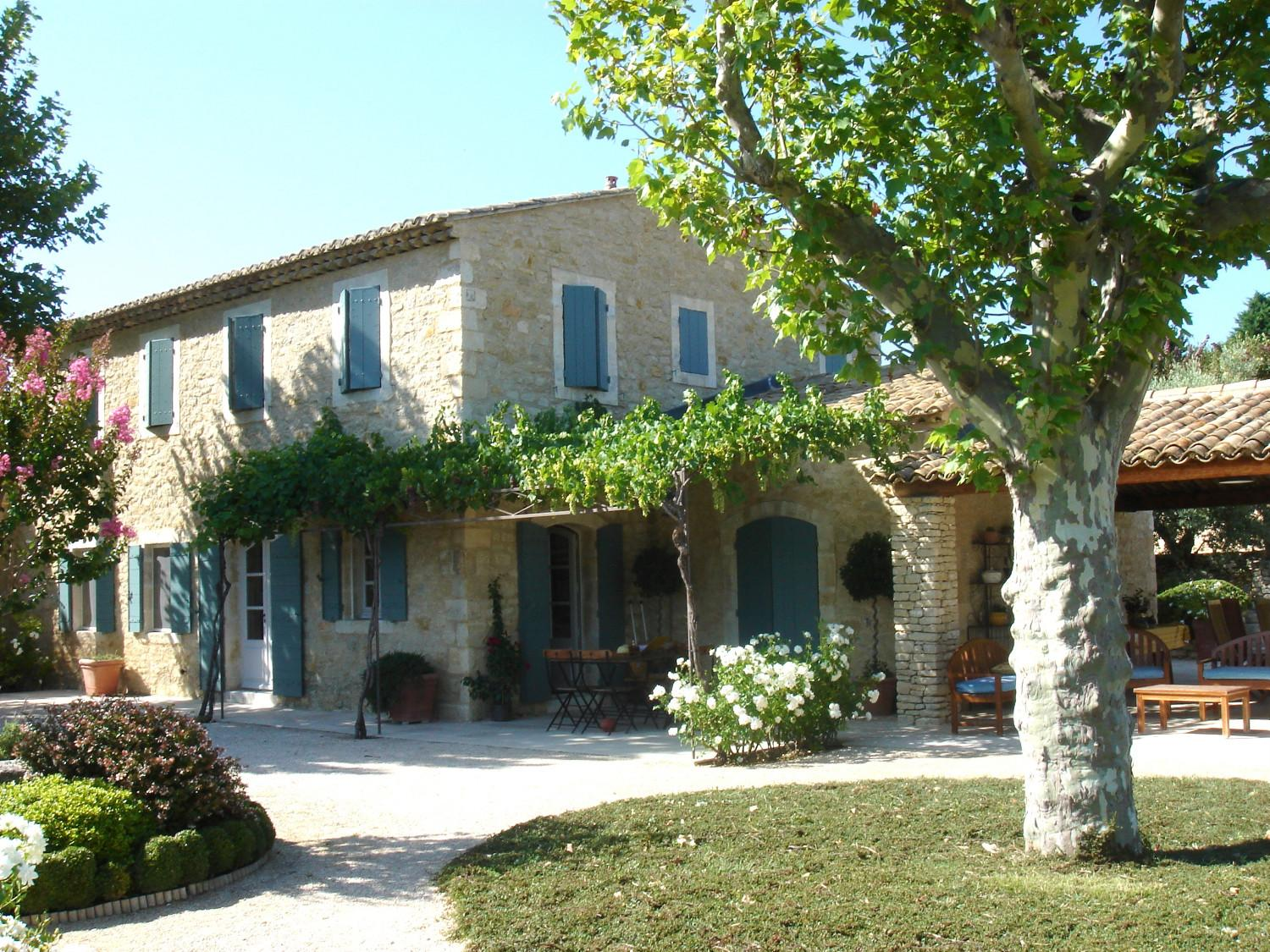 Newly built houses in the luberon a provencal mas made for Provence homes