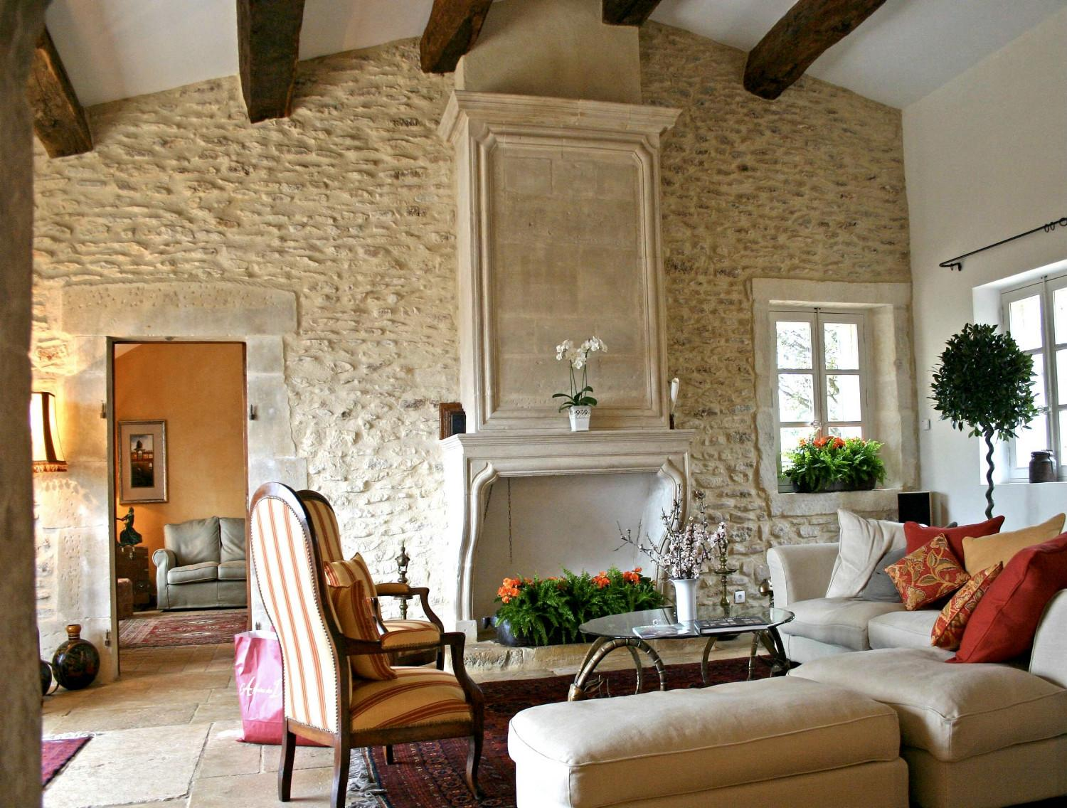 Newly built houses : A Provencal Mas made of stone - A. Nelson ...
